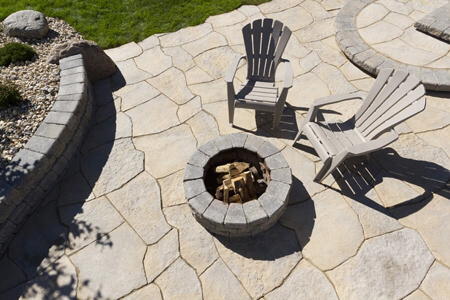 0094-winnipeg-back-yard-pergola-flag-stone-water-features-planters-fire-pit-pisa-landscaping-min